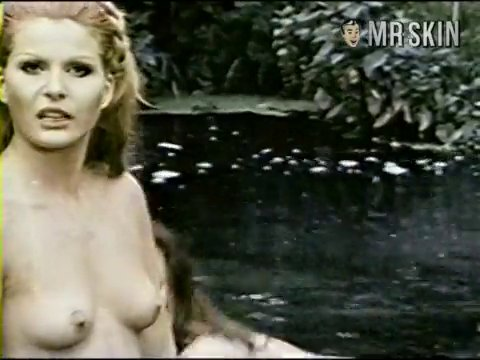 La nuora giovane 1975 italy vintage movie intro - 2 part 3