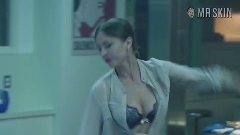 Katharine isabelle looped shower scene 5