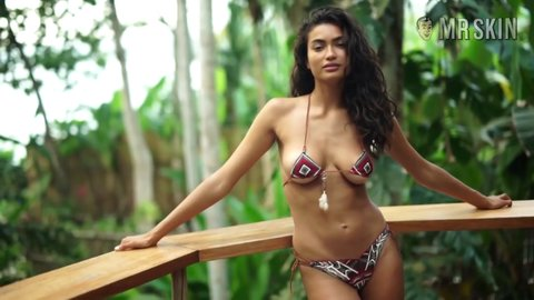 Siswimsuit2017 gale hd 05 large 4
