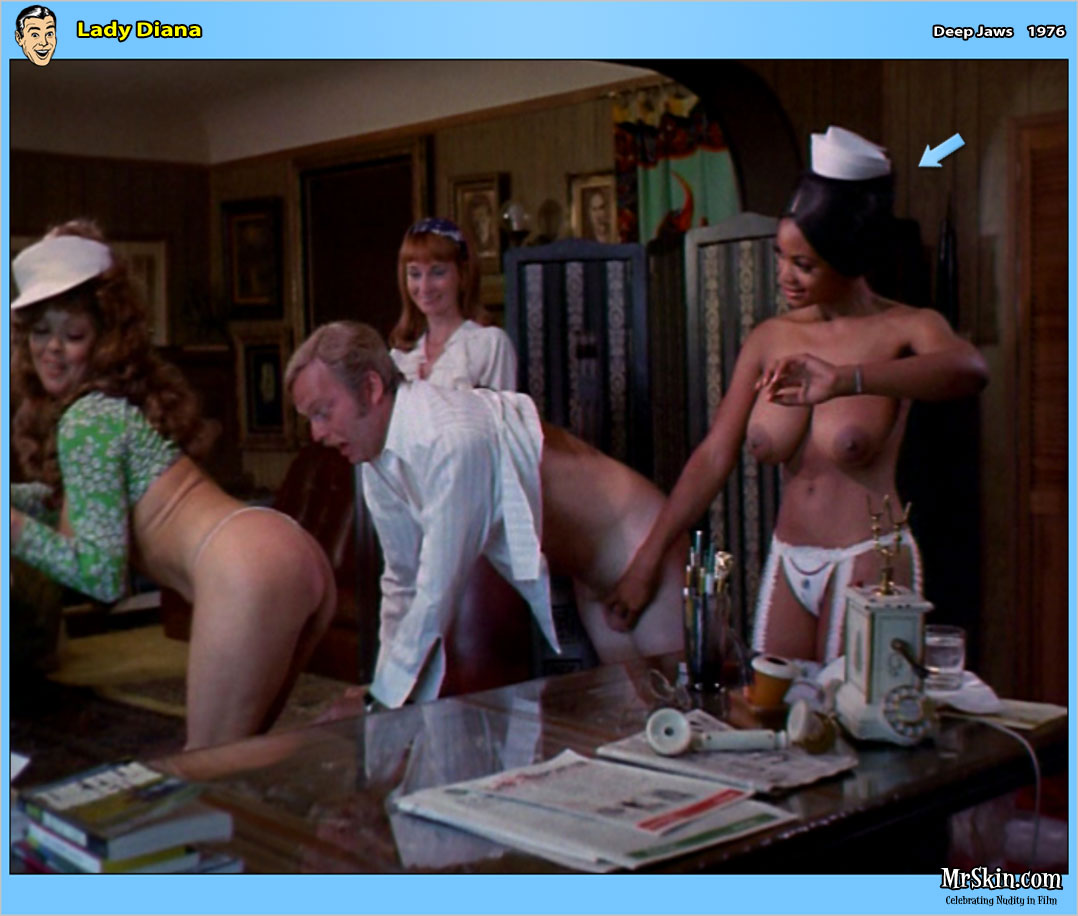 10 naked nurses